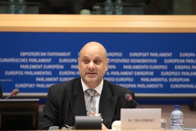 Barrister Tramboo delivering his GDK2011 opening plenary speech in the European Parliament